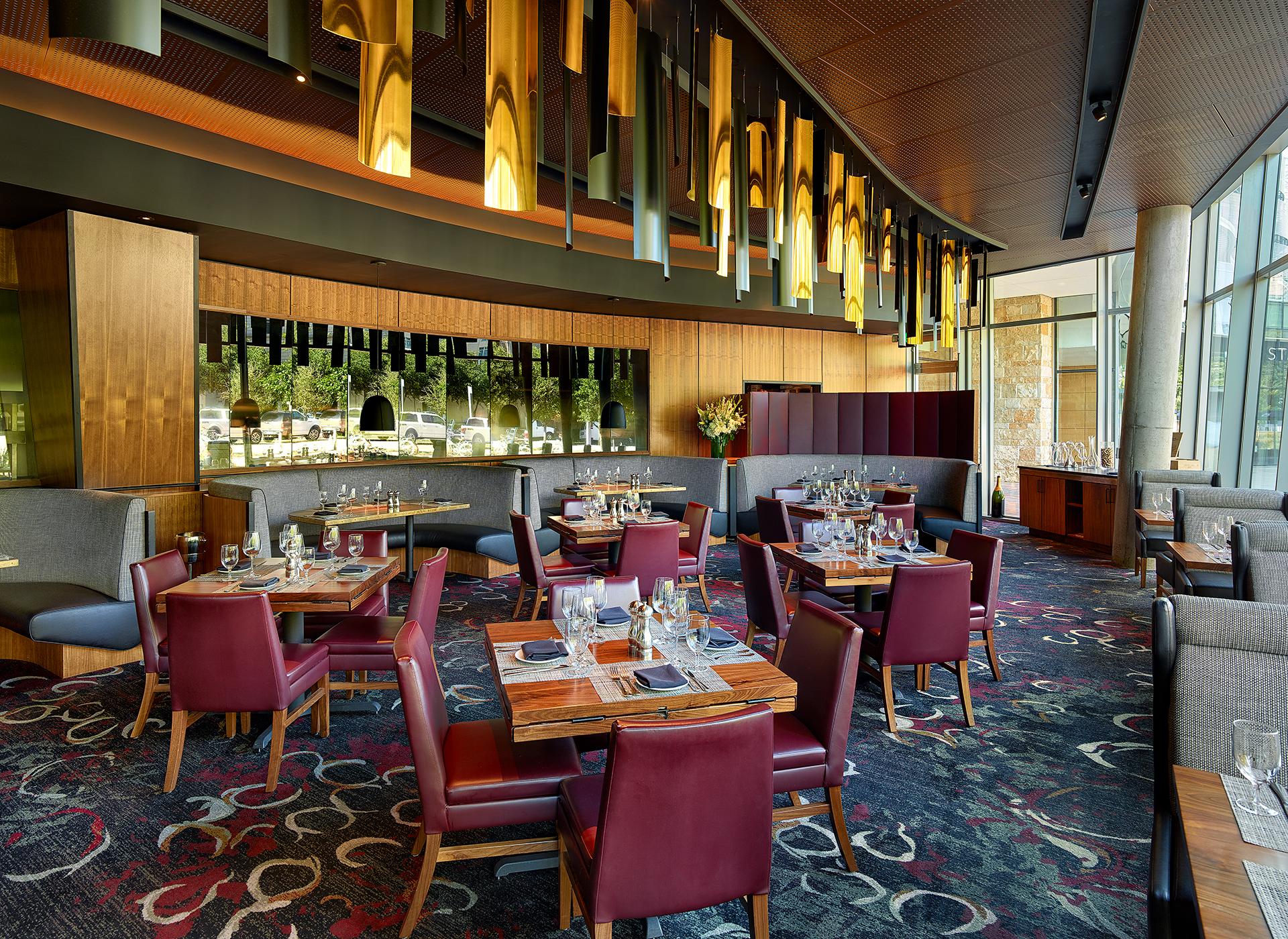 ©2017 Holger Obenaus Photography Interior Design Restaurant Commercial