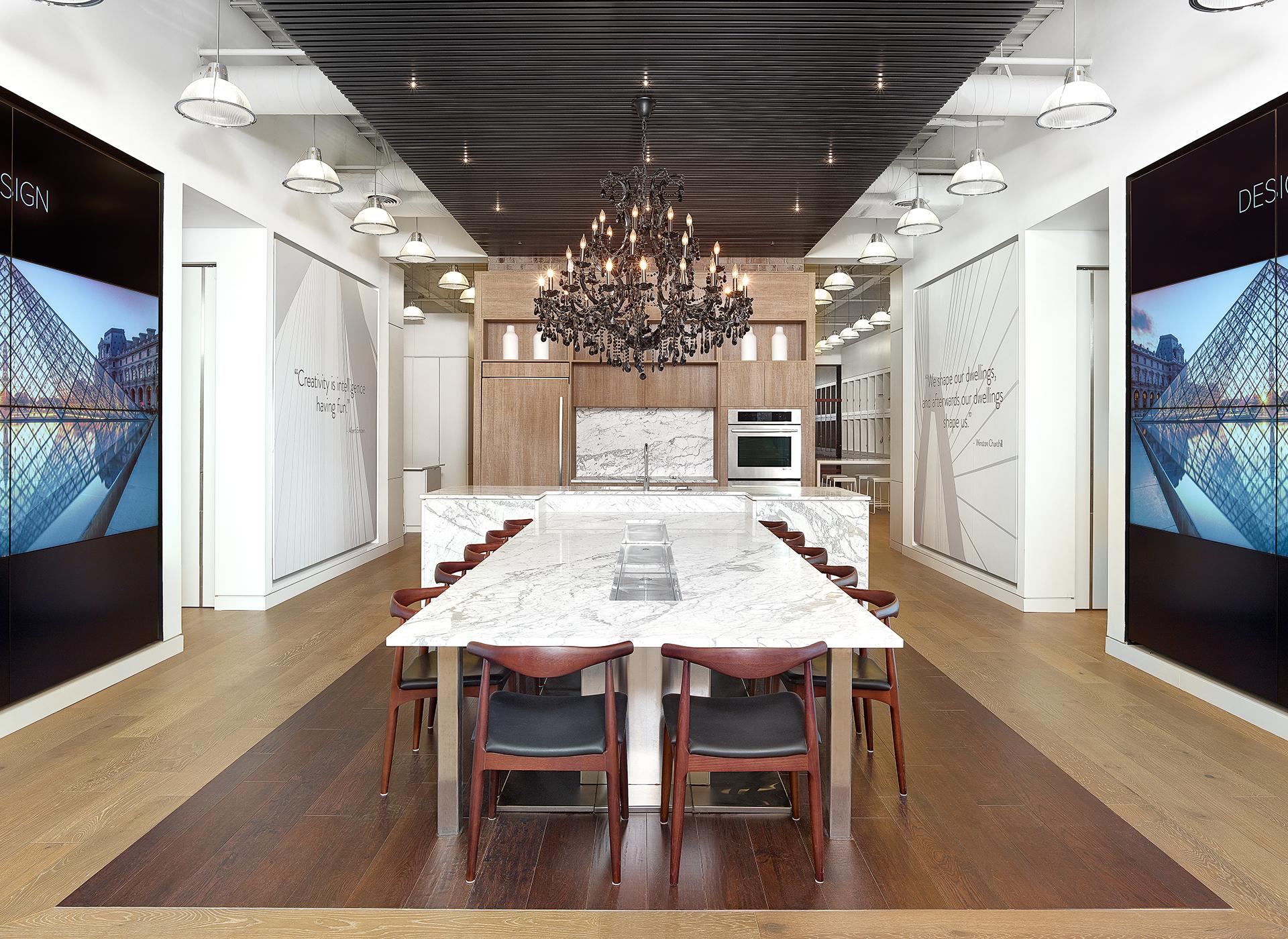 ©2017 Holger Obenaus Photography Interior Design Showroom Commercial